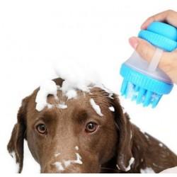 Masážní kartáč s nádobou na šampon pro pejsky