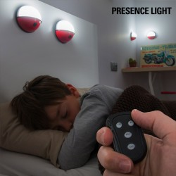 Přenosné LED světlo na dálkové ovládání - Pokéball - 4 ks - InnovaGoods